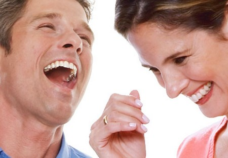 Man Woman Laughing Why Do People Laugh